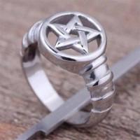 Bague pentagramme