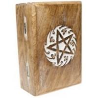 Boite pentacle en bois sculptée
