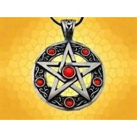 Collier pentagramme pierre rouge